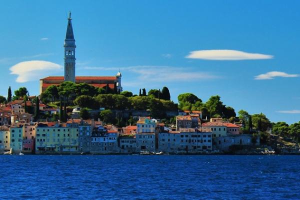 Su di noi adrionik croazia rovigno prenotazione for Alberghi rovigno croazia